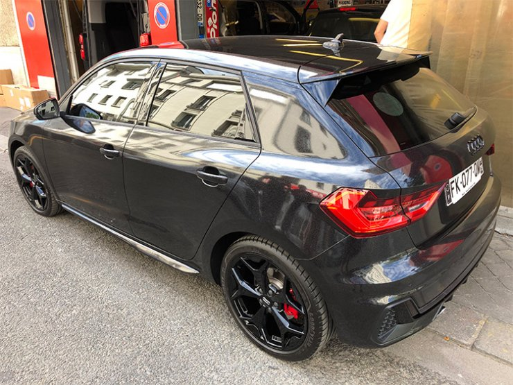 covering Audi A1