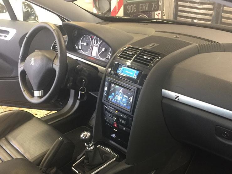 Peugeot coupe 407 autoradio