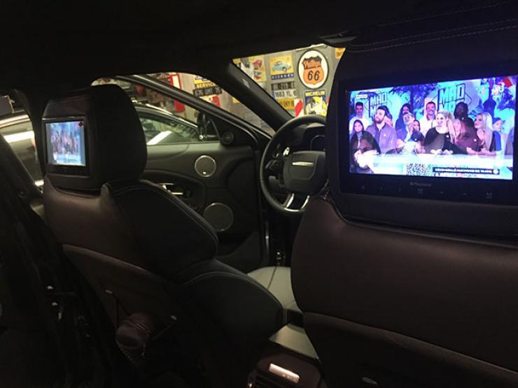 pose écran siege auto